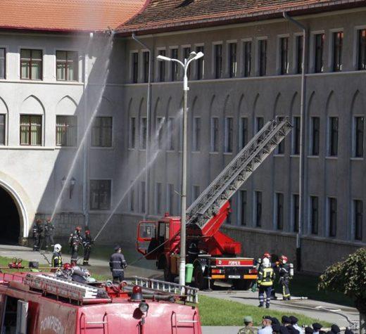 Exerciţiu de evacuare în caz de incendiu