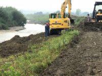 10.000 de lei pentru borhot de distilerie aruncat pe malul pârâului Berchiş