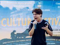 """Patru de """"Da"""" la X Factor pentru Dragoş Bucatariu, un tânăr sucevean de 17 ani"""