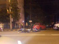 Doi motocicliști răniți într-un accident produs în fața magazinului Bucovina din municipiul Suceava