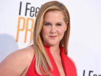 Actriţa americană Amy Schumer a anunţat că este însărcinată