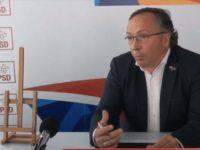 """Dan Ioan Cuşnir îi oferă lui Gheorghe Flutur """"două luni de linişte centenară"""" în CJ Suceava"""