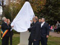 Seria sărbătorilor Centenarului Unirii Bucovinei cu România a fost deschisă cu dezvelirea bustului lui Iancu Flondor