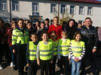 Mesaje preventive şi la trecerile pentru pietoni din Marginea, într-un proiect de prevenire a accidentelor rutiere