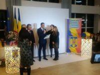 IEH a premiat singura educatoare care predă în limba maternă copiilor români din Cernăuţi