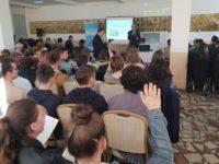 """România a obţinut titlul """"Guinness World Records™"""" pentru cea mai mare lecţie de educaţie financiară din lume"""