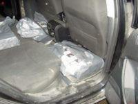 Autoturism încărcat cu ţigări de contrabandă
