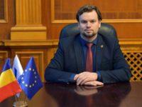 """Deputatul câmpulungean Daniel Popescu a alertat Consiliul Judeţean Suceava în legătură cu practicile ilegale adoptate de taximetrişti în zona Aeroportului """"Ştefan cel Mare"""" din Suceava"""