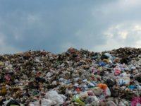 Deșeurile sufocă depozitele temporare din județ