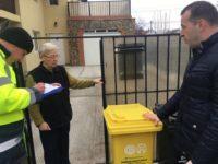 Modul în care se face colectarea selectivă a deşeurilor va fi supravegheat de angajaţi ai Primăriei, cu sarcini de îndrumare şi amendare