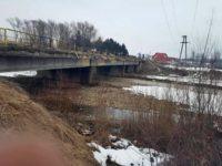 Poduri degradate din cauza sării folosite pentru deszăpezire, un pericol pentru localnici