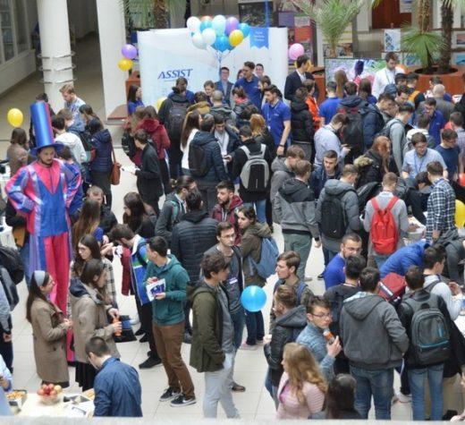 Peste 450 de participanţi la cea de-a XI-a ediţie Open Doors ASSIST