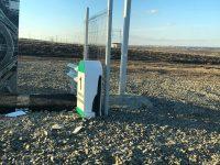Borna ce marchează primul metru de autostradă a fost vandalizată