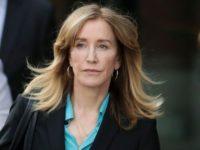 Actriţa Felicity Huffman, condamnată la 2 săptămâni de închisoare în scandalul admiterii frauduloase în universităţi