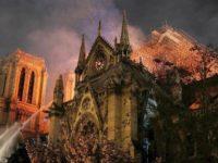 Tristeţea şi doliul marchează începutul Săptămânii Patimilor pentru credincioşii catolici