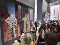 """Expoziţia """"Broderii de tradiţie bizantină din România"""" la Muzeul Luvru din Paris"""