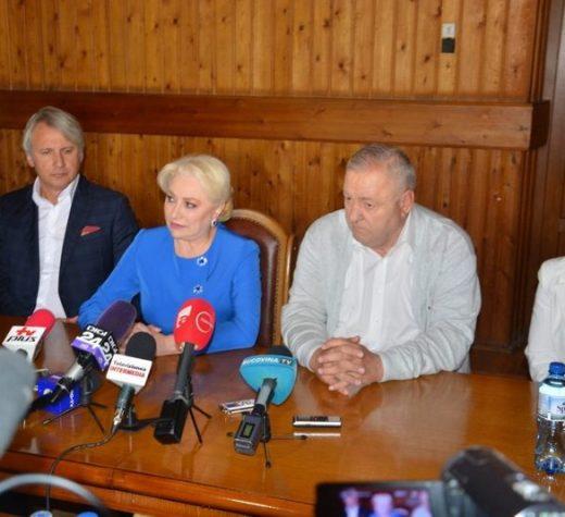 Viorica Dăncilă, alături de Eugen Teodorovici şi Sorina Pintea au ajuns luni în judeţul Suceava