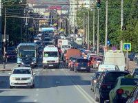 50 de străzi din Suceava au interdicţie pentru autovehiculele cu masa mai mare de 3,5 tone