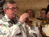 Trompetă de aur, cântăreţ de laur