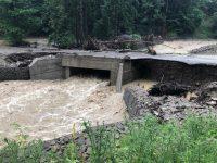 163 de sate şi un obiectiv CFR afectate de inundaţii