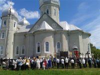 Ştefan cel Mare sărbătorit pe pământul său şi în biserica sa din nordul Bucovinei