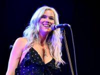 Cântăreaţa Joss Stone afirmă că a fost expulzată din Iran