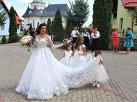 Una dintre fetele crescute la Aşezământul social Sf. Ier. Leontie de la Rădăuţi s-a căsătorit