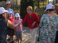 """Turneul de """"ascultare"""" al Ramonei Ioana Bruynseels în regiunea Moldovei s-a încheiat cu oraşele Iaşi şi Suceava"""