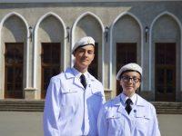 """Doi colegi de clasă gimnazială au devenit elevi ai Colegiului Naţional Militar """"Ştefan cel Mare"""""""