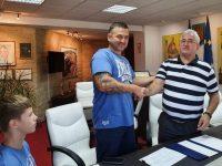 Cristinel Costel Măzăreanu, vicecampion european de juniori la box, premiat cu 7000 de lei de primarul Ion Lungu