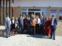 Unsprezece cupluri din comuna Fântânele au sărbătorit duminică Nunta de Aur