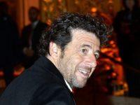 Cântăreţul francez Patrick Bruel, interogat de Procuratură pentru acuzaţii de hărţuire sexuală