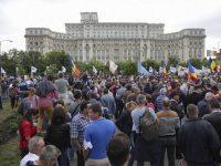 Pădurarii au protestat ieri la sediul Parlamentului, solicitând armament de serviciu