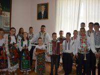 """La """"Zorile Bucovinei"""", cu dragoste şi credinţă, slujim stăpânei noastre – Limbii Române"""