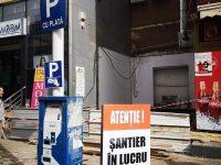 Asociaţia Rădăuţiul Civic acuză autorităţile locale şi poliţia locală de pasivitate în cazul unei construcţii fără autorizaţie ce se ridică în centrul oraşului