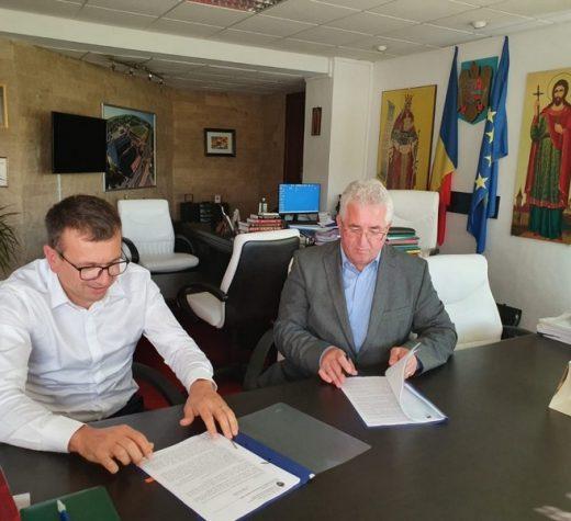 Ion Lungu a semnat contractul de proiectare şi execuţie a canalizării şi alimentării cu apă în cartierul Europa