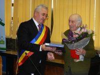 Nicolai Berariu, de 99 de ani, cetăţean de onoare al Sucevei, în şedinţa solemnă de Ziua Bucovinei a Consiliului Local