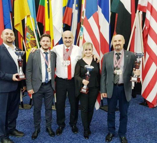 USV, patru medalii de aur şi una de argint
