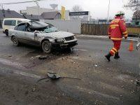 Accident rutier între un autoturism şi o autoutilitară