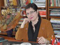 Cu mica sa navă secretă, Carmen Mihalache în lumea cea mare a zilei noastre