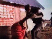 Dosar penal după apariţia unei filmări în care o fată însărcinată este bătută de concubin