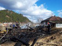 Puternic incendiu în Slatina, de la jocul copiilor cu focul