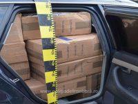 Un sucevean ce transporta cu maşina ţigări de contrabandă a acroşat o autospecială