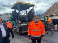 Preşedintele CJ a verificat lucrările de asfaltare pe drumurile Frasin – Broşteni şi Gemenea – Slătioara
