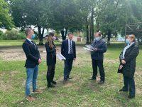 Reprezentanţi ai MTS au discutat cu Gheorghe Flutur despre paşii necesari pentru înfiinţarea centrului de tineret şi taberei şcolare de la Frasin