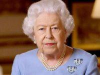 Regina Elisabeta a II-a a sărbătorit ieşirea din izolare printr-o plimbare cu calul