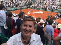 """Hani, fata din Suceava care a cântat """"Deşteaptă-te române"""" la Roland Garros"""