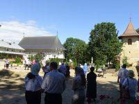 La hramul Sf. Ierarh Leontie de la Rădăuţi a fost doar o mână de oameni