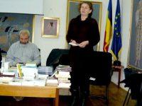 Iulia Murariu la o lansare de carte