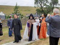 Credincioşii au urcat în genunchi dealul Mănăstirii Hagigadar